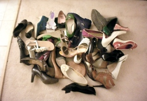 pile-of-shoes2