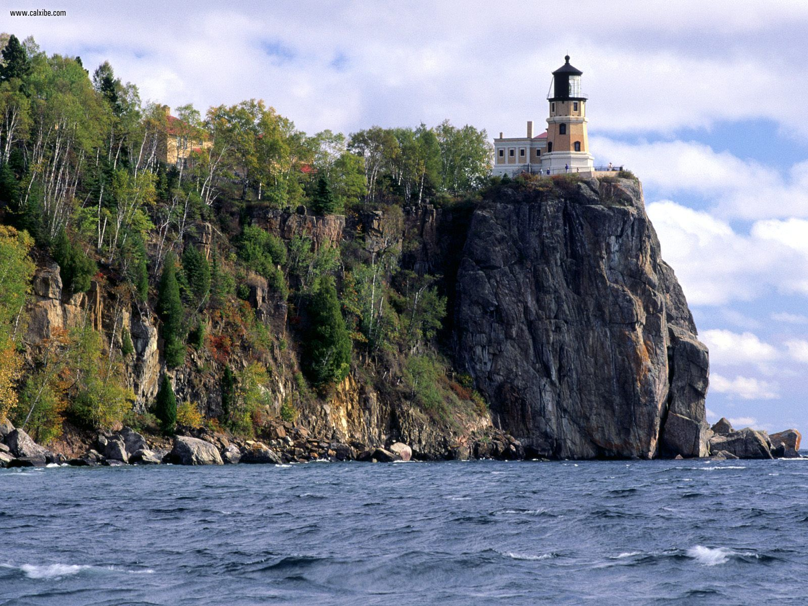 split-rock-lighthouse-from-a-distance